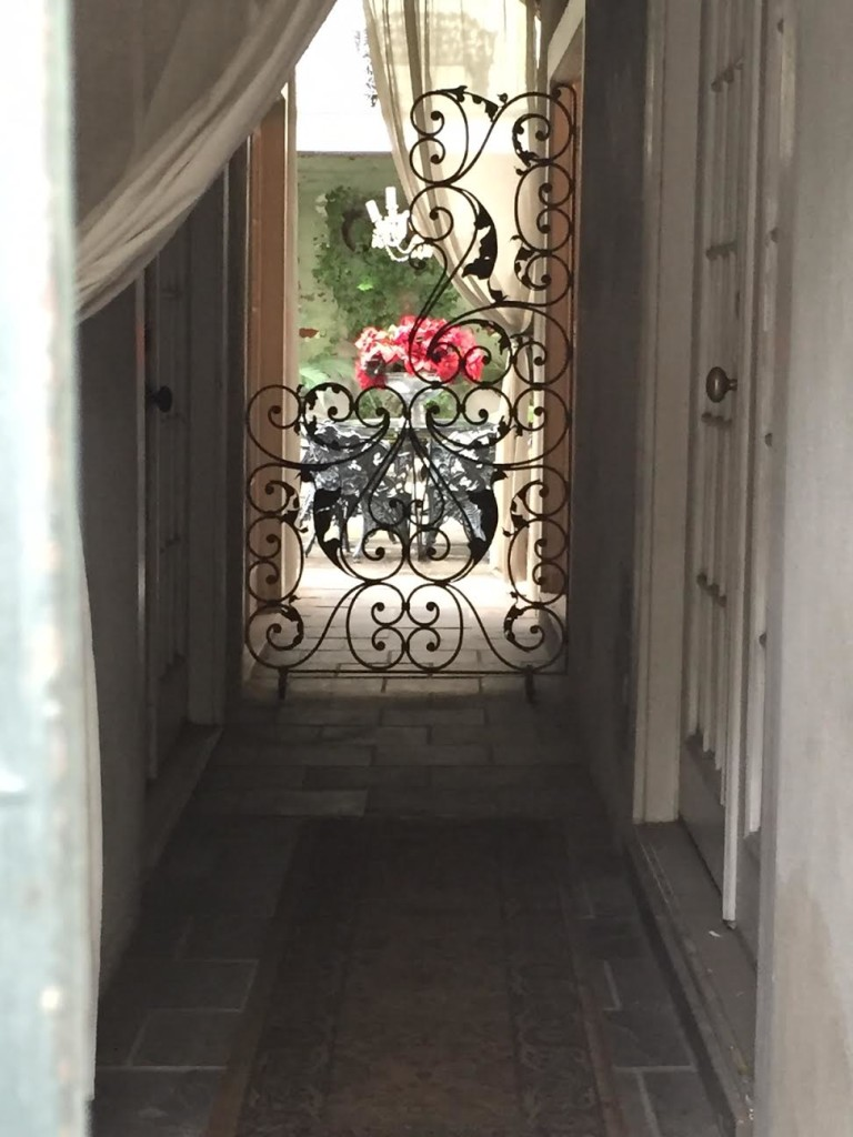 door way with flowers - New Orleans with kids