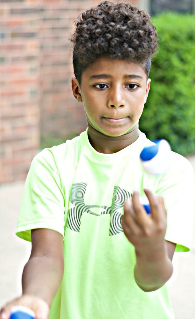kid juggling - kids helping kids