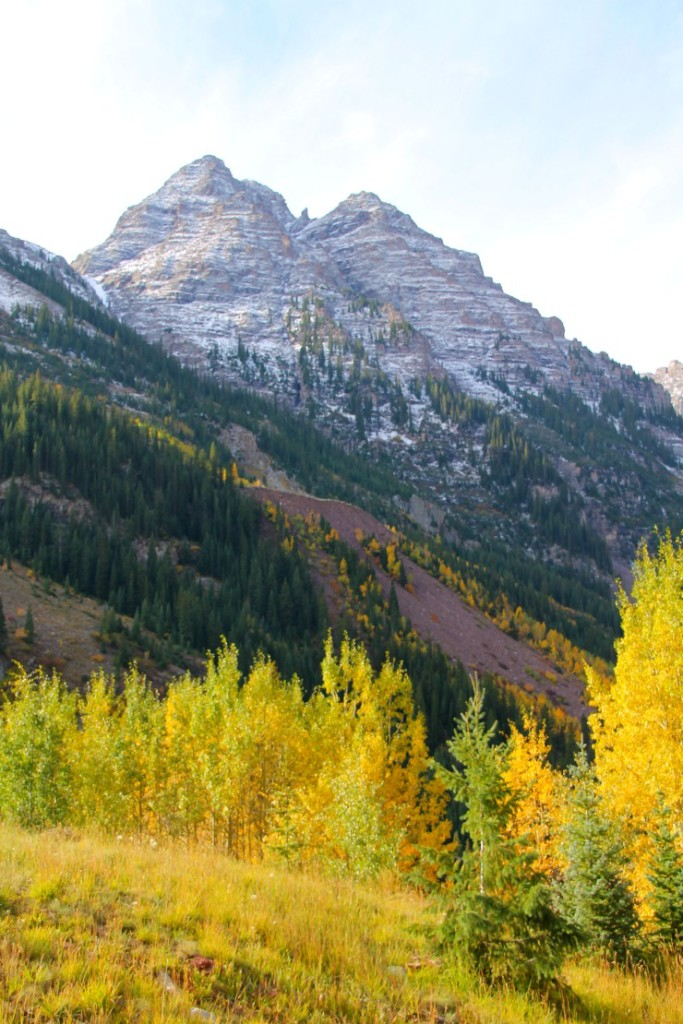 mountain view with gold aspen trees - day trip to aspen